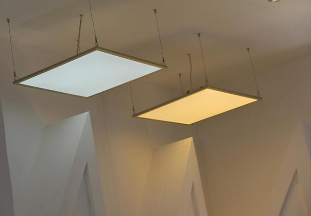 安裝LED吸頂燈竟這簡單。很多家庭都不知道如何安裝! - 每日頭條