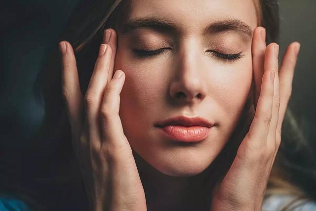 精華液功效到底怎麼樣?上了年紀的女人要了解 - 每日頭條