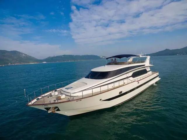 香港不只有銅鑼灣,尖沙咀……還有豪華遊艇! - 每日頭條