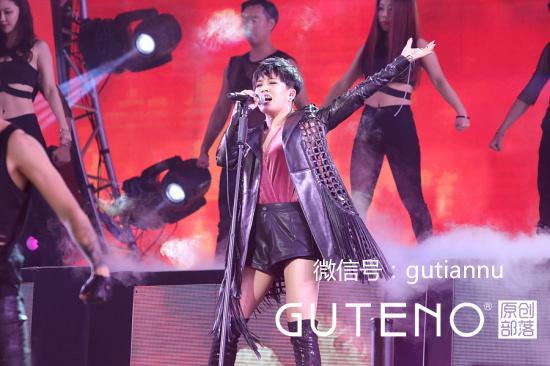 《中國新歌聲》鳥巢總決賽冠軍人選再次被套路 - 每日頭條