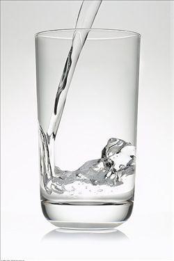 每天早上一杯溫開水。對我們有什麼好處呢 - 每日頭條