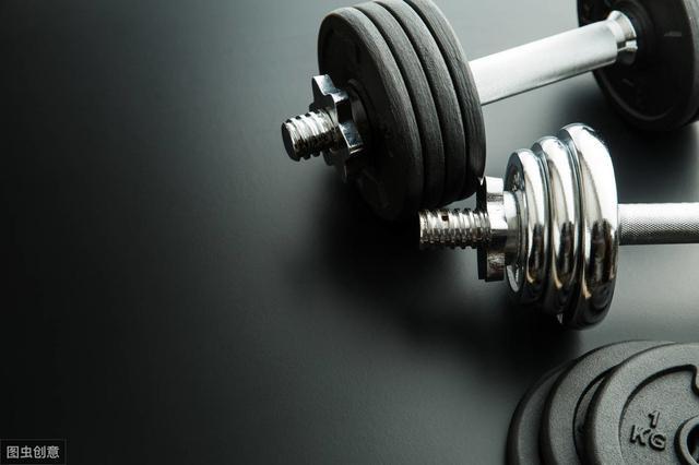 深蹲跳,兼顧爆發力和肌肉質量的訓練 - 每日頭條