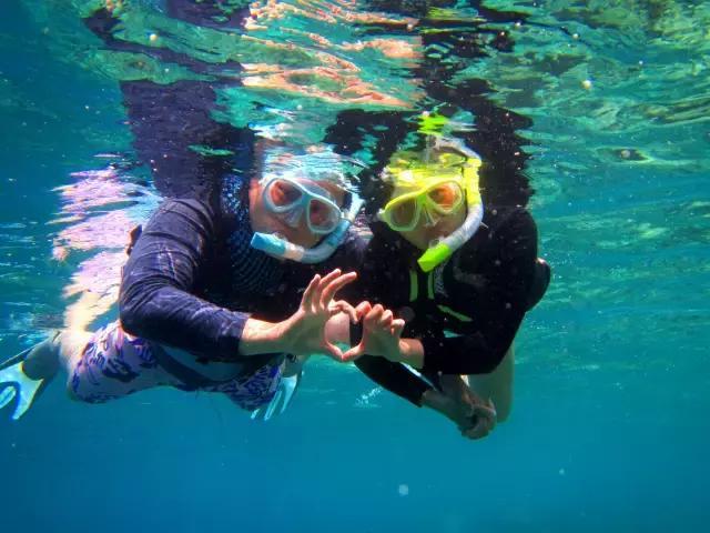 背包旅行。拍攝美麗浮潛的遊記 - 每日頭條