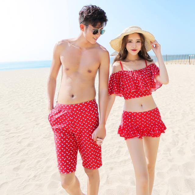 情侶泳衣 夏日海岸最亮眼 - 每日頭條