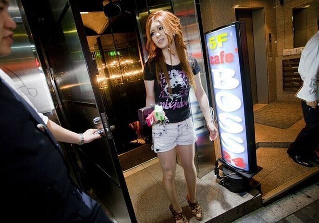 東京夜店陪酒女公關:大尺度服務讓人臉紅 - 每日頭條