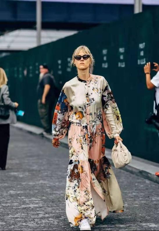 女人不要把自己打扮的太廉價!這3種單品要少穿。顯土沒氣質 - 每日頭條