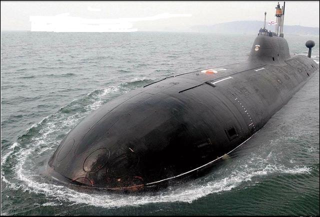 俄羅斯海軍水下主力——阿庫拉級攻擊型核潛艇 - 每日頭條