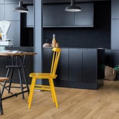 Kitchen Vinyl Flooring Antique Faucets 六种木地板替代品好看又防水 每日头条 乙烯基地板 强度高 耐热 耐磨等特点 可以作为木地板的代替品的原因是乙烯基地板可以做成任何你想要的花色 也包括与木地板及其相似的花纹
