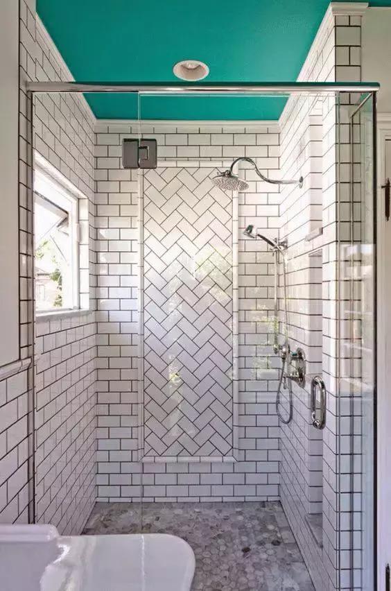 採光不好該選哪種瓷磚?小白磚的8招妙用讓衛生間美出新高度 - 每日頭條