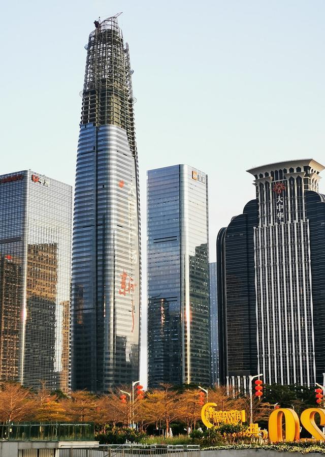 實拍深圳8棟高度超過350米的超高層摩天樓,氣派! - 每日頭條