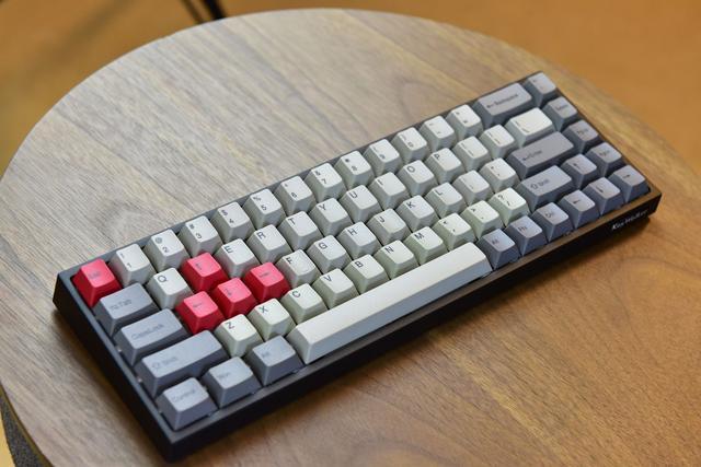 68鍵機械鍵盤實用性不高?藍牙雙模+RGB+櫻桃軸僅549元 - 每日頭條