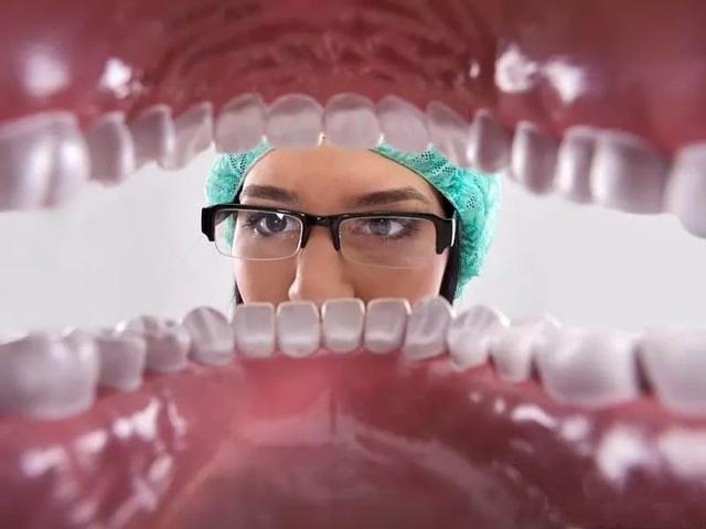 早期口腔癌治癒率超80%。如何辨識口腔癌的早期癥狀? - 每日頭條