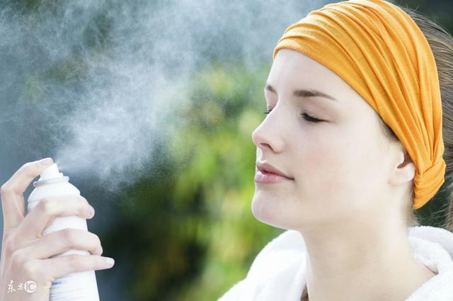 小蒙:冬季不同膚質應該如何補水保濕? - 每日頭條