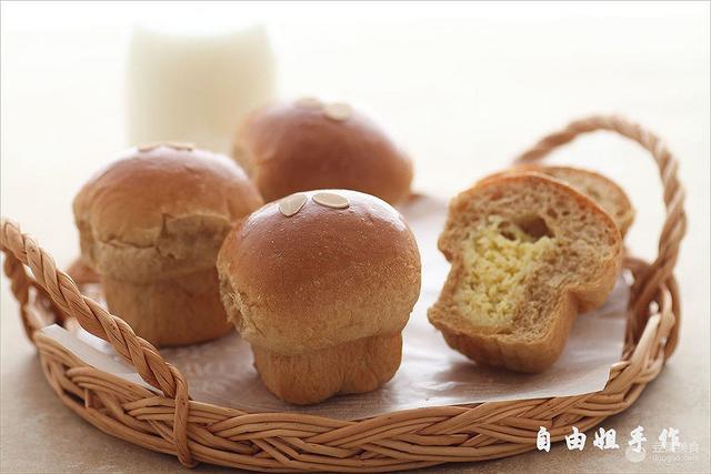 咖啡奶酥麵包的做法 - 每日頭條