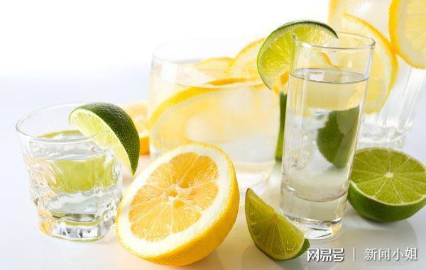 《中餐廳》教你檸檬蜂蜜水的正確打開方式 - 每日頭條