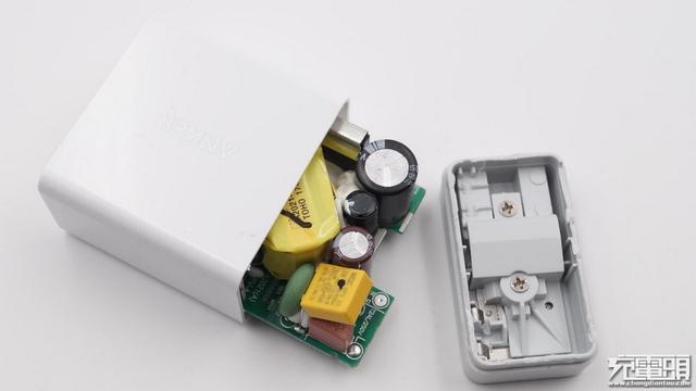 美國排名第一的充電器品牌 拆開看看 - 每日頭條