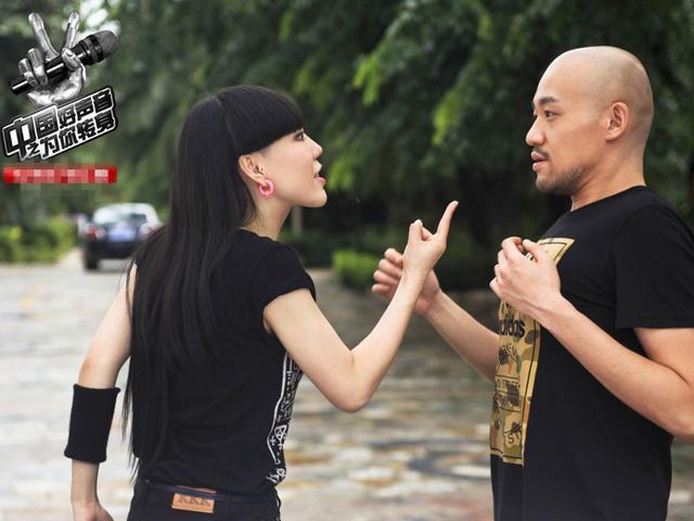 《中國好聲音之為你轉身》不能我一個瞎。來啊。互相傷害 - 每日頭條