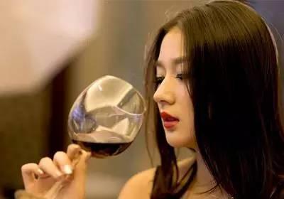 女人喝紅酒的11個好處! - 每日頭條