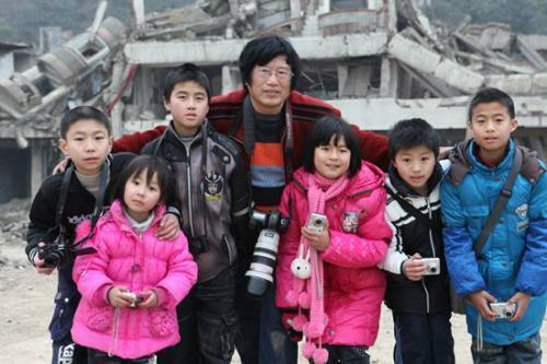 心理重建遠比生活重建困難 地震孤兒:別再關注我了 - 每日頭條