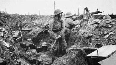 塹壕戰,殘酷的廝殺方式,半數士兵死在彈坑裡 - 每日頭條