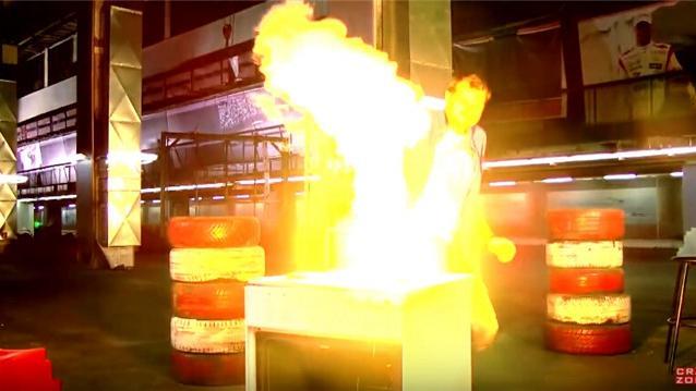 當鋁熱劑被加熱了。現場就像發生了小型核爆炸! - 每日頭條