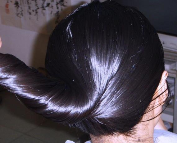 頭髮剛浸濕就抹洗髮水?很多人都錯了。難怪兩天不洗頭就油垢味重 - 每日頭條