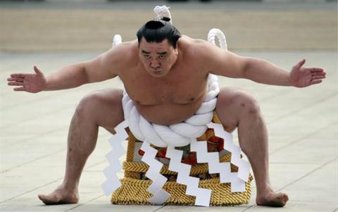 日本相撲界驚傳醜聞 最高階橫綱打爆同鄉腦袋 - 每日頭條
