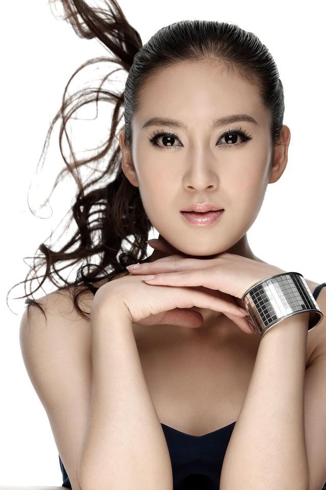 《三國》中絕色美女小喬,「時尚女王」趙柯,唯美的清新氣質~ - 每日頭條