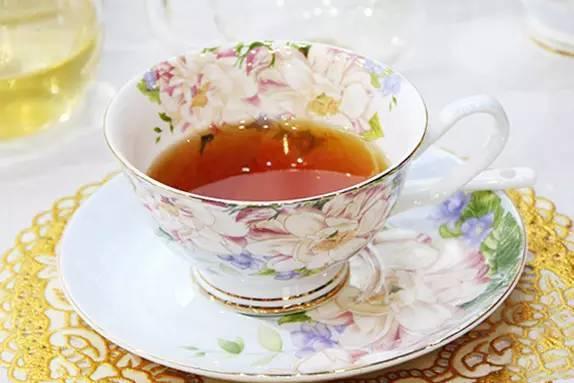 說茶丨紅茶的N種喝法!看看外國人喝紅茶的奇葩方法 - 每日頭條