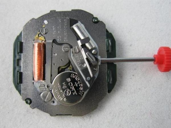 石英表換電池 你會嗎? - 每日頭條