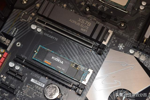 首次接觸東芝存儲改名鎧俠後的SSD RC10。緩存加持下性能表現如何 - 每日頭條