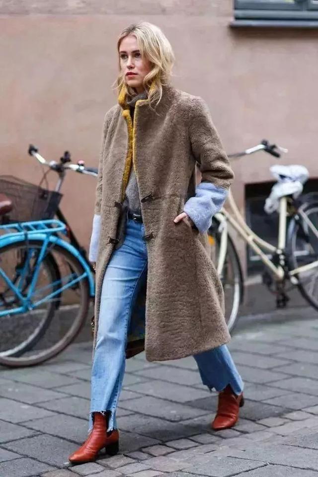 九分牛仔褲+短靴=顯高顯腿長!今秋冬你穿九分褲卻不配短靴? - 每日頭條