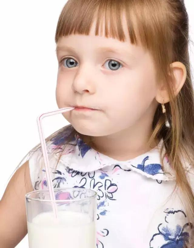 為啥有些人一喝牛奶就拉肚子?怎樣才能治好? - 每日頭條