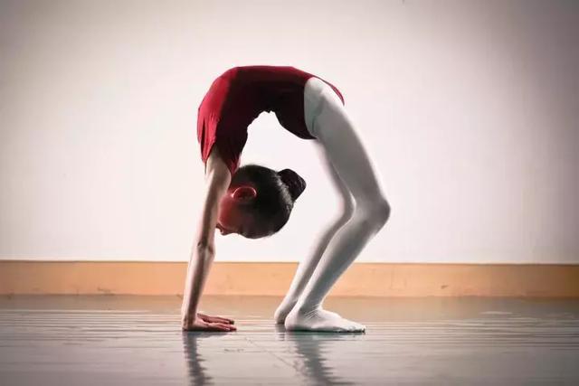 舞蹈老師有話說系列第4講:下腰練習 - 每日頭條