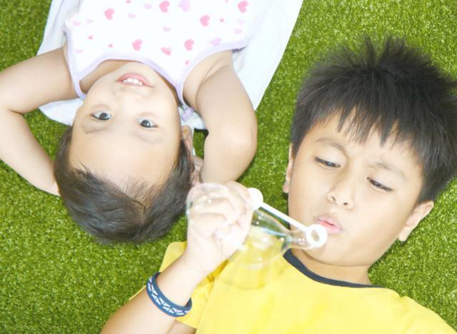 寶寶睡醒後的第一反應是哭還是笑?這關係著寶寶的性格跟智商哦 - 每日頭條