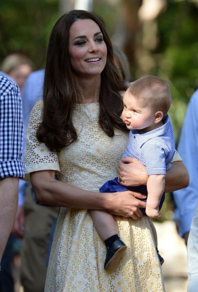 傲嬌臉喬治,平價童裝穿出皇室范兒 - 每日頭條