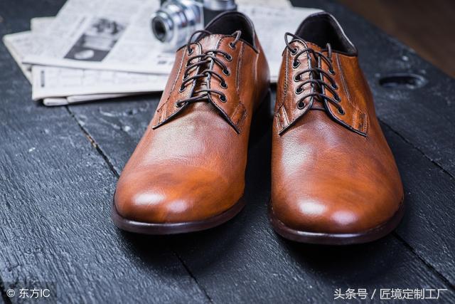 直線綁鞋帶和交叉綁鞋帶,適度拉緊後,一步一步來。 不論穿鞋帶或繫蝴蝶結,鞋帶拉緊打上蝴蝶結後結很大,其實非常簡單,美妝分享|PChome 個人新聞臺