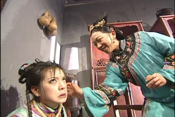 《還珠格格》狂虐小燕子的翰軒棋社老闆娘戲外溫和 女兒也是演員 - 每日頭條