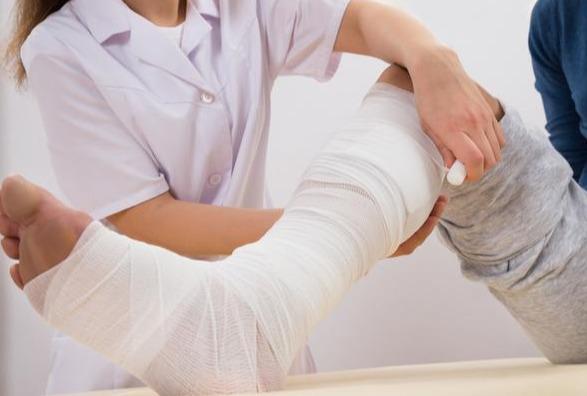 常見骨折脛腓骨骨折是什麼呢?日常生活中該怎樣去避免? - 每日頭條