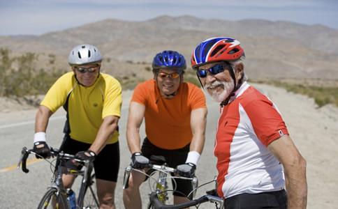 老人騎自行車的好處 騎自行車要注意7點 - 每日頭條
