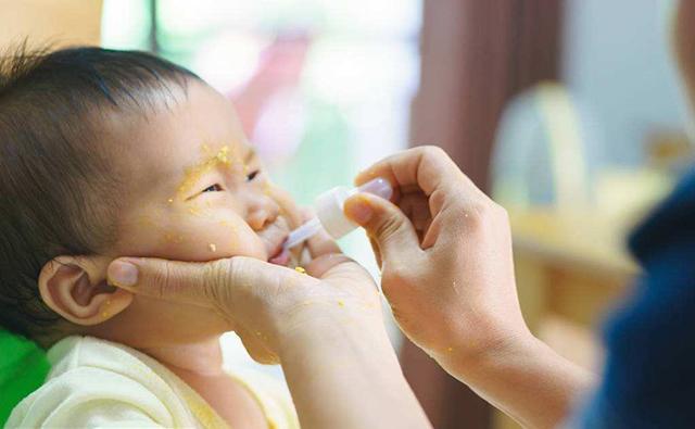 孩子咳嗽別亂用藥,小心吃成肺炎,搭配飲食治療好的快,綠色健康 - 每日頭條