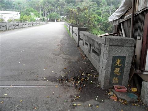 孫立人將軍墓:棺槨放在地面上,他在等著後人將遺骨遷回故鄉 - 每日頭條