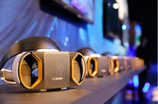 VR眼鏡暴風魔鏡4便於用戶自行購買安裝散熱風扇 - 每日頭條