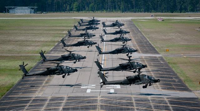 好猛!美國「民兵」裝備的阿帕奇武裝直升機成群結隊升空 - 每日頭條