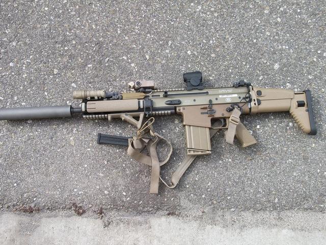 分不清的AWM和AWP 吃雞和CSGO槍械對比之步槍篇 - 每日頭條