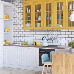Hickory Kitchen Island Pendents 现代厨房设计趋势之双色橱柜 每日头条 从现代厨房系列中获取灵感 并考虑双色厨房设计趋势 为您的家庭装修 混合两种不同的色调以及彩绘和彩色木质橱柜的组合 可以创造出清新美丽的厨房设计
