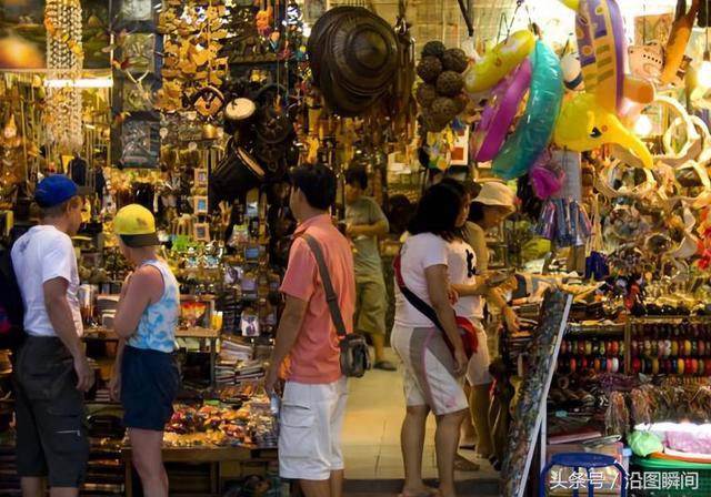 這條街被泰國人稱為風月步行街,遊客多數來自歐洲 - 每日頭條