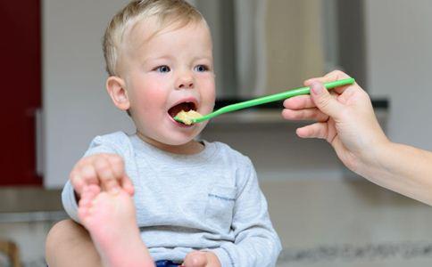 寶寶多大可以吃大人飯菜? - 每日頭條