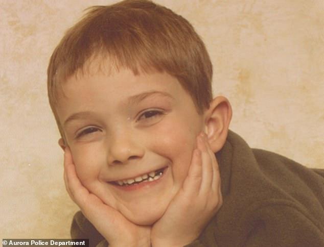 美國母親帶走6歲兒子自殺孩子失蹤。7年後男孩竟突然出現稱被綁架 - 每日頭條