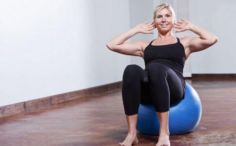辦公室瑜伽 教你簡單豐胸瑜伽動作 - 每日頭條
